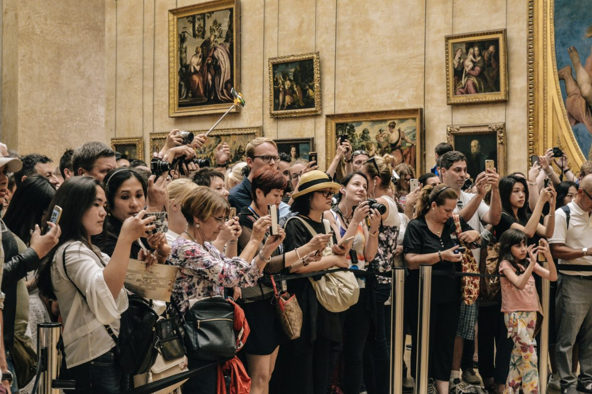 Uomo Rinascimentale: Louvre Museum, Paris. Photo by Alicia Steels on Unsplash